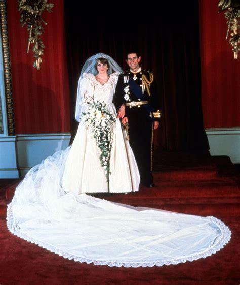 princess diana wedding cake piece owned  man  decades