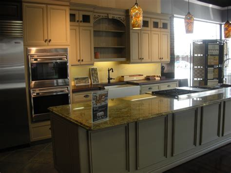 Hot Product: Wood Wide Plank Countertops   Timeless Design