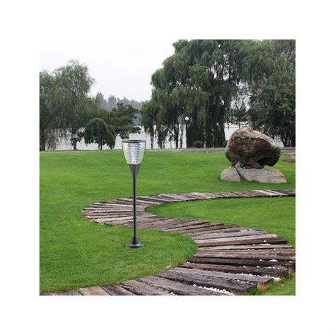 lampione led  energia solare  giardini esterni villa