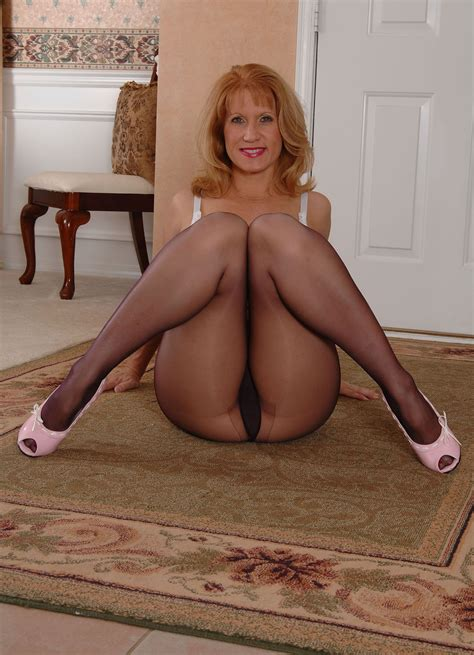 716018tif In Gallery Softcore Mature Pantyhose
