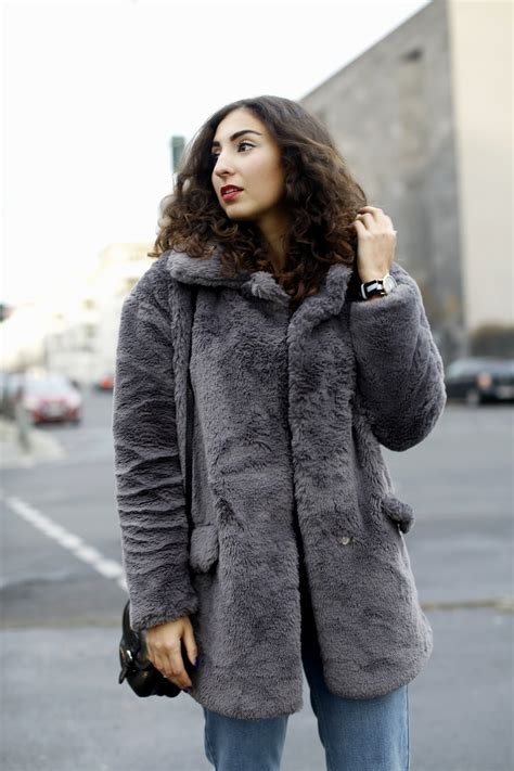 Grey Plush Coat - Fashionblog Germany
