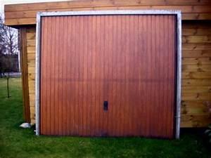photo je donne porte de garage basculante bois cadre me With porte garage basculante bois