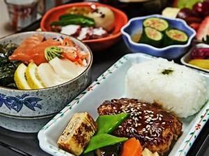 Dining | The Emirates Experience | Emirates