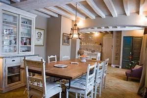 peindre des poutres au plafond systembaseco With peindre des poutres en bois 10 conseil deco salle a manger avec poutres page 2