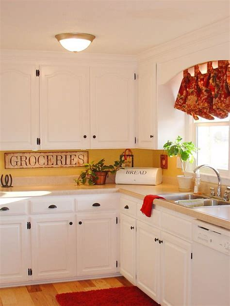 white and yellow kitchen ideas 92 best images about red white decor on pinterest fabrics floral fabric and cottages
