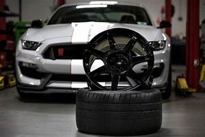 Close, Look, At, The, Ford, Mustang, Shelby, Gt350r, U2019s, Carbon