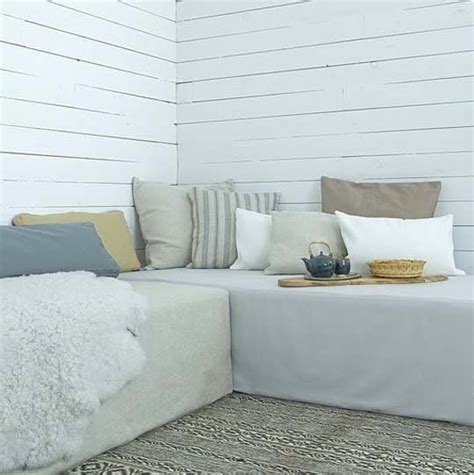 Turn Bed Into Sofa by 1000 Images About Beds Into Sofa On