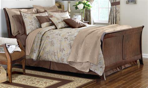 fall bedding sets luxurious woodland comforter set w fall leaf design