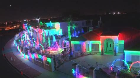 best christmas lights for the top of your house 6 best light displays