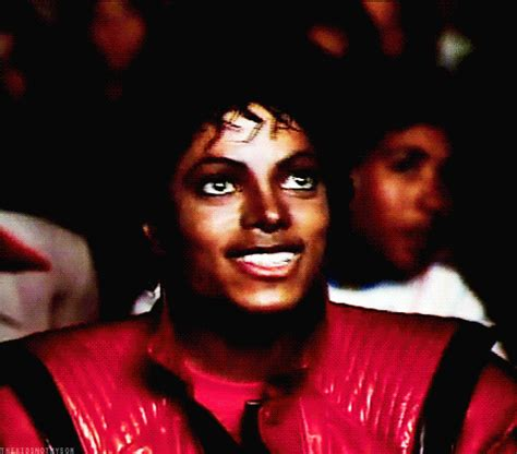 popcorn jackson michael thriller gifs mj reaction meme gon gud bra dis avi laughing halloween coli animated mike tshirt neverland