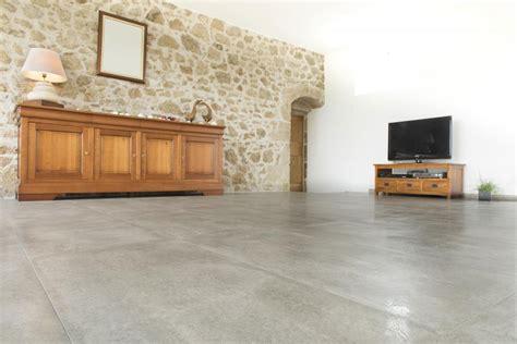 barre de cr馘ence cuisine carrelage grand format carrelage le plus grand choix de sol et fa ence murale
