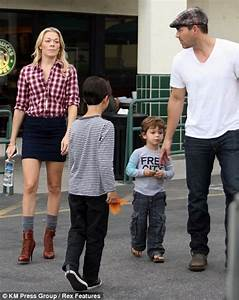 LeAnn Rimes goes make-up free and the strain shows | Daily ...