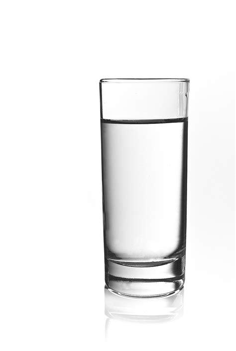 ein glas wasser foto bild experimente wasser