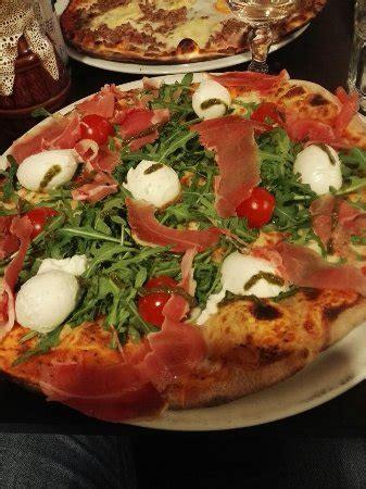 cuisine grenoble restaurant il napoli dans grenoble avec cuisine italienne
