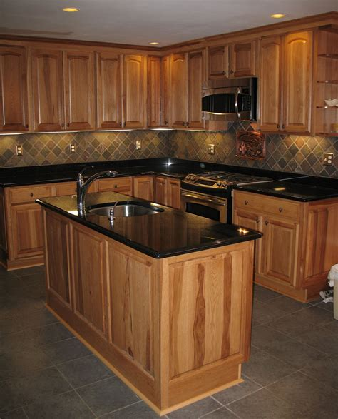 Kitchen Floor Ideas With Black Cabinets by Best 15 Slate Floor Tile Kitchen Ideas Home Decor