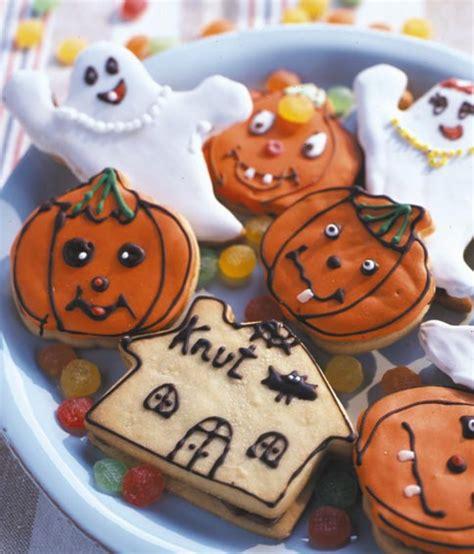 bunte halloween plaetzchen mit nougat rezept essen und