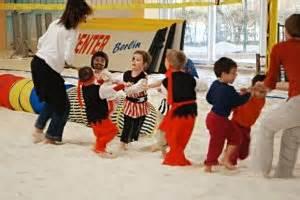 Kindergeburtstag Berlin Feiern : kindergeburtstag im indoor beachcenter berlin mamilade ausflugsziele ~ Markanthonyermac.com Haus und Dekorationen