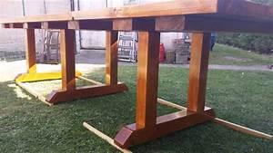 Comment Fabriquer Une Table De Ferme En Bois : construction d 39 une table de salon de jardin youtube ~ Louise-bijoux.com Idées de Décoration