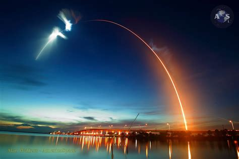 spacex launches crs  dragon  stunning twilight