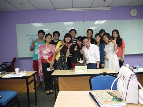 Digital Marketing Classroom by Direct And Digital Marketing Degree Class With