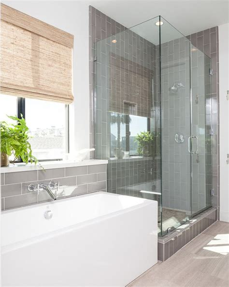 Master Bathroom Tile Ideas by 25 Best Ideas About Vertical Shower Tile On