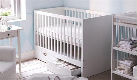 lit b 233 b 233 stuva blanc avec deux tiroirs de socle inspiration ikea cribs and drawers
