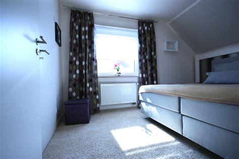 wohnidee schlafzimmergestaltung mit ankleide raumax