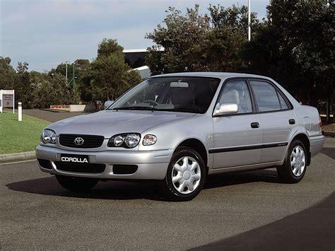 TOYOTA Corolla Sedan specs & photos - 2000, 2001, 2002 ...