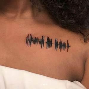 Phrase Tatouage Sur La Force : elle se fait tatouer un message vocal de sa grand m re d c d e vid o ~ Melissatoandfro.com Idées de Décoration