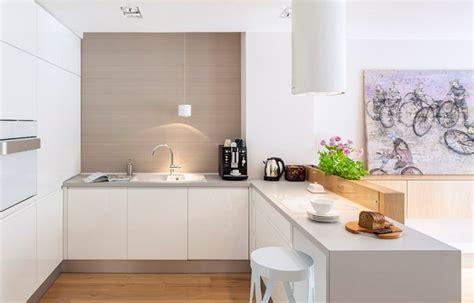cuisine blanche plan de travail bois plan de travail cuisine 50 idées de matériaux et couleurs