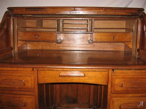 bureau des entr馥s meuble bureau qui se ferme bureaux le de deco design pas meuble tv qui se ferme a cle royal sofa id e de canap c ble bureau de secr taire