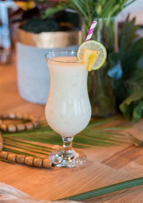 Best piña colada recipe (2015) with pictures, drink variations and precise instructions, success guaranteed! DIY Summer Cocktail Recipes - Pina Colada & Coffee Mai Tai