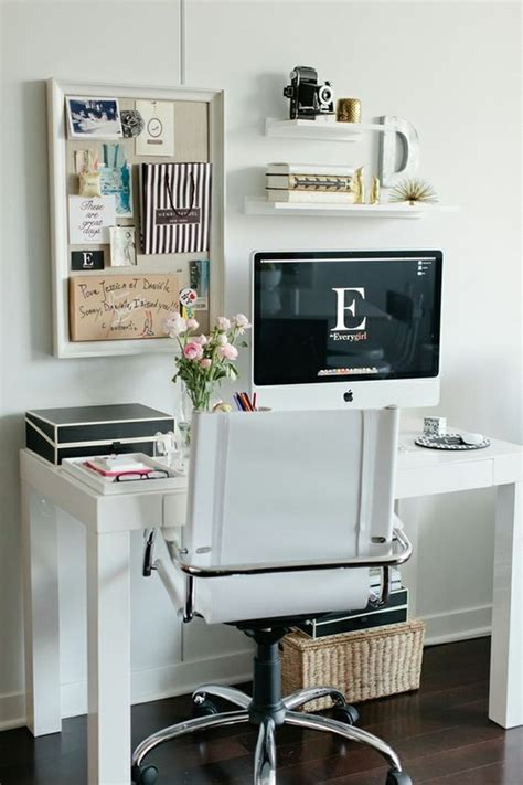 .cute. little. office space