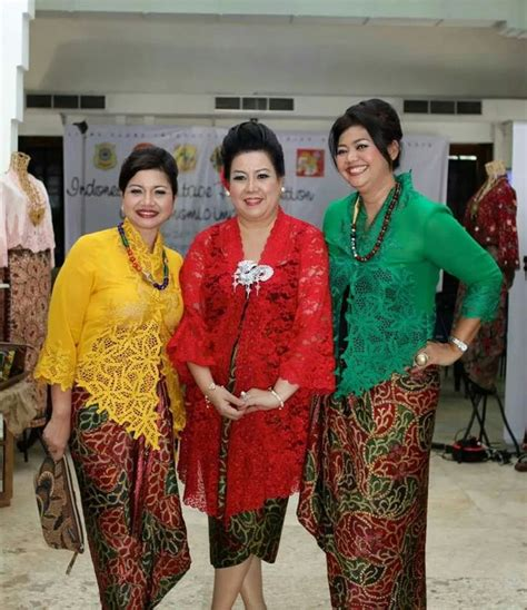 baju dress bordir putih 88 best kebaya images on batik dress