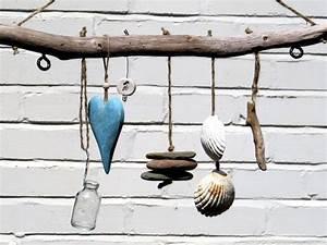 Basteln Mit Treibholz : treibholz wanddeko mit glas herz steine muscheln dekoideen pinterest treibholz muschel ~ Markanthonyermac.com Haus und Dekorationen