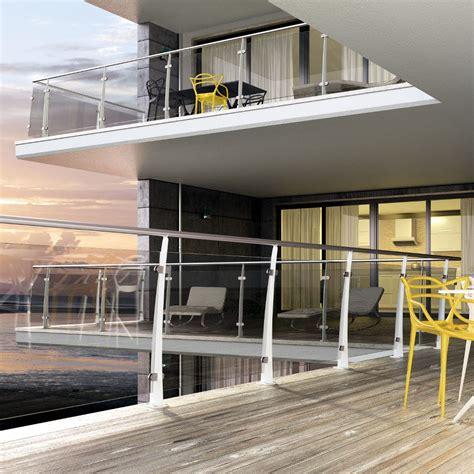 ringhiera legno esterno ringhiere in legno per balconi esterni con parapetti e