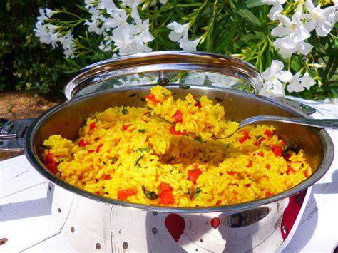 cuisiner un poivron riz aux poivrons et basilic la recette facile par toqués