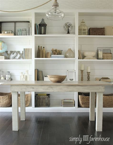 Offenes Regal by White Room Farm Table Open Shelves Plank Walls Pretty