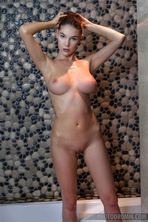 Loraine In Sexy Drops By Photodromm 12 Photos Erotic