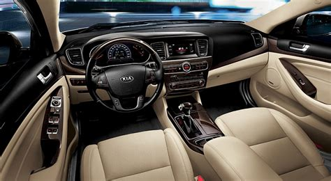 kia cadenza   door  lx  uae  car prices