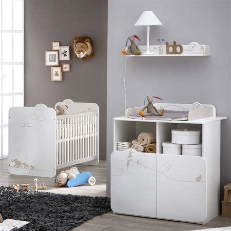 commode chambre bébé chambre à coucher de bébé lit et commode table à langer