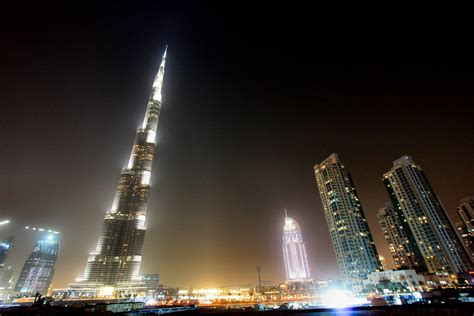 Burj Khalifa Arabic Guy