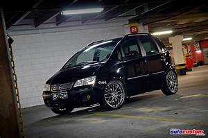 Fiat Idea 2006 Com 20 000w De Som  Aro 20 E Rebaixado