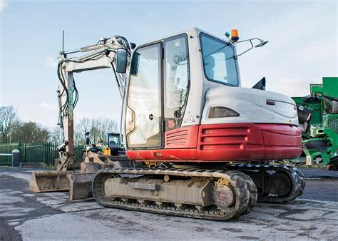 takeuchi tb  tonne rubber tracked excavator year  sn  recorded hours