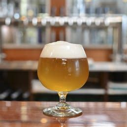 Redwood Curtain Brewery by Redwood Curtain Brewing Company 128 Fotos 115 Beitr 228 Ge