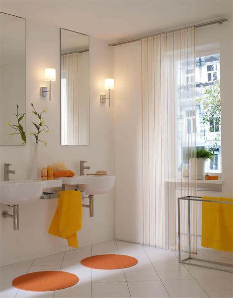 Bilder Im Badezimmer Aufhängen by Sichtschutz Im Bad Plissees Und Rollos F 252 R Badezimmer