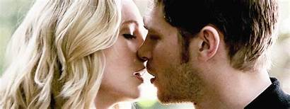 Klaus Caroline Kiss Vampire Diaries Klaroline Felt