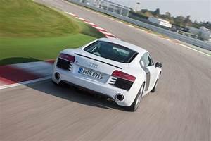 Audi R8 Fiche Technique : fiche technique audi r8 v10 plus s tronic 7 2014 ~ Maxctalentgroup.com Avis de Voitures
