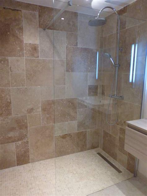 salle de bain avec frise mosaique 16 salle de bain realise en opus avec une frise en diagonal