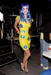 katy perry in yellow with blue flowers latex dress | Music ...